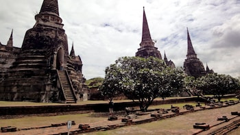 Full-Day Highlights of Ayutthaya with Thai Lunch & River Cruise
