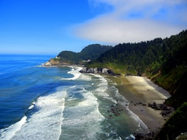 Oregon Coast Tour with Cannon Beach from Portland