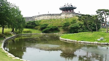 Private Hwaseong Fortress & Korean Folk Village Day Tour