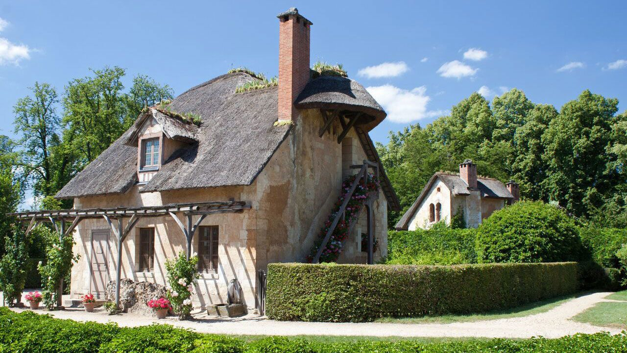 small house in paris