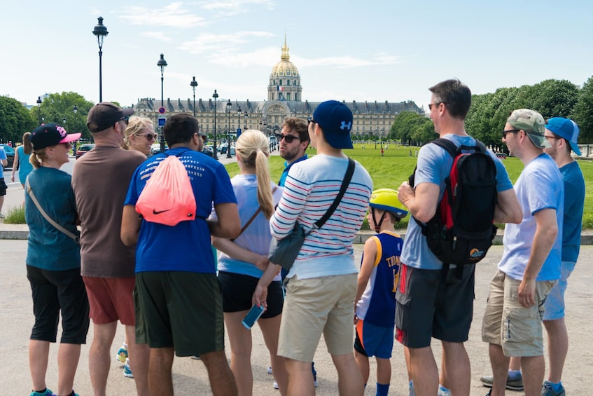 Charger l'élément 3 sur 10. Best of Paris Bike Tour : from Notre-Dame to Champs-Élysées