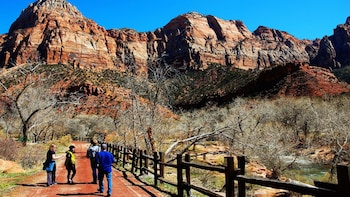 Zion & Bryce National Park Overnight Tour with Hotel