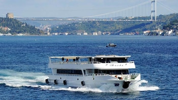 Istanbul Old City with Bosphorus Cruise & Cable Car Ride