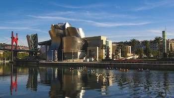 3-Day Bilbao Tour with River Tour & Guggenheim Museum