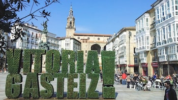 3-Day Vitoria Tour with Walking Tour & Wine Tasting in Rioja