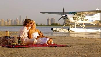 Romantic Picnic & Seaplane Flight Experience