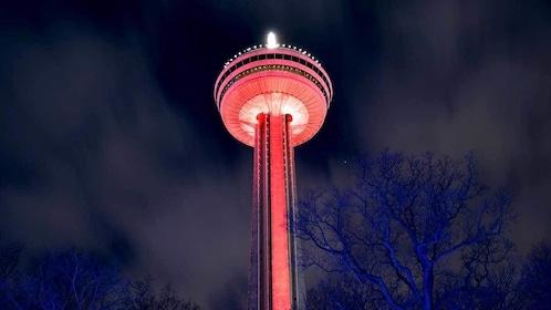 the Skylon Tower at night in Niagara Falls