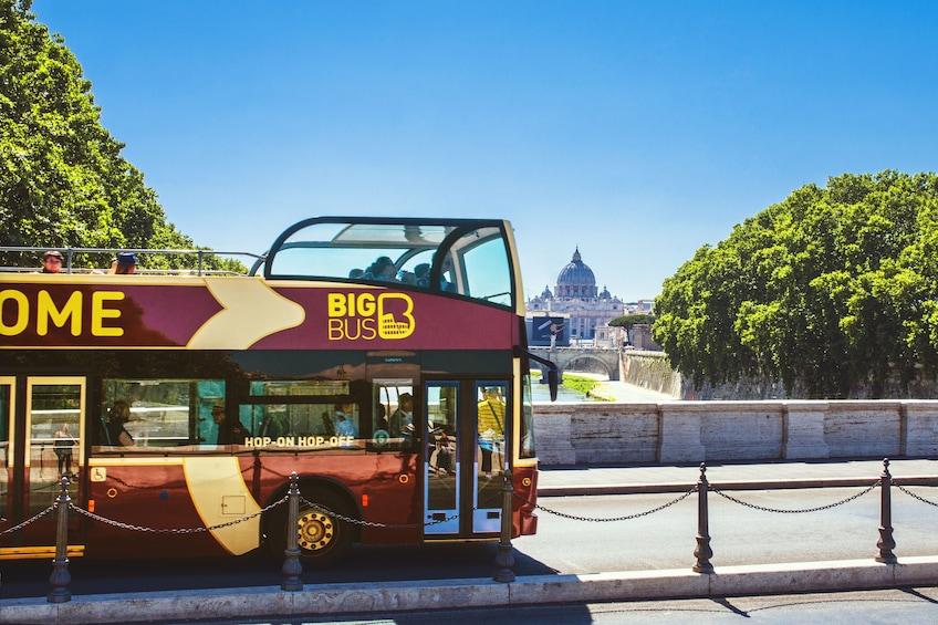 Åpne bilde 4 av 10. Rome Hop-On Hop-Off Big Bus Tour