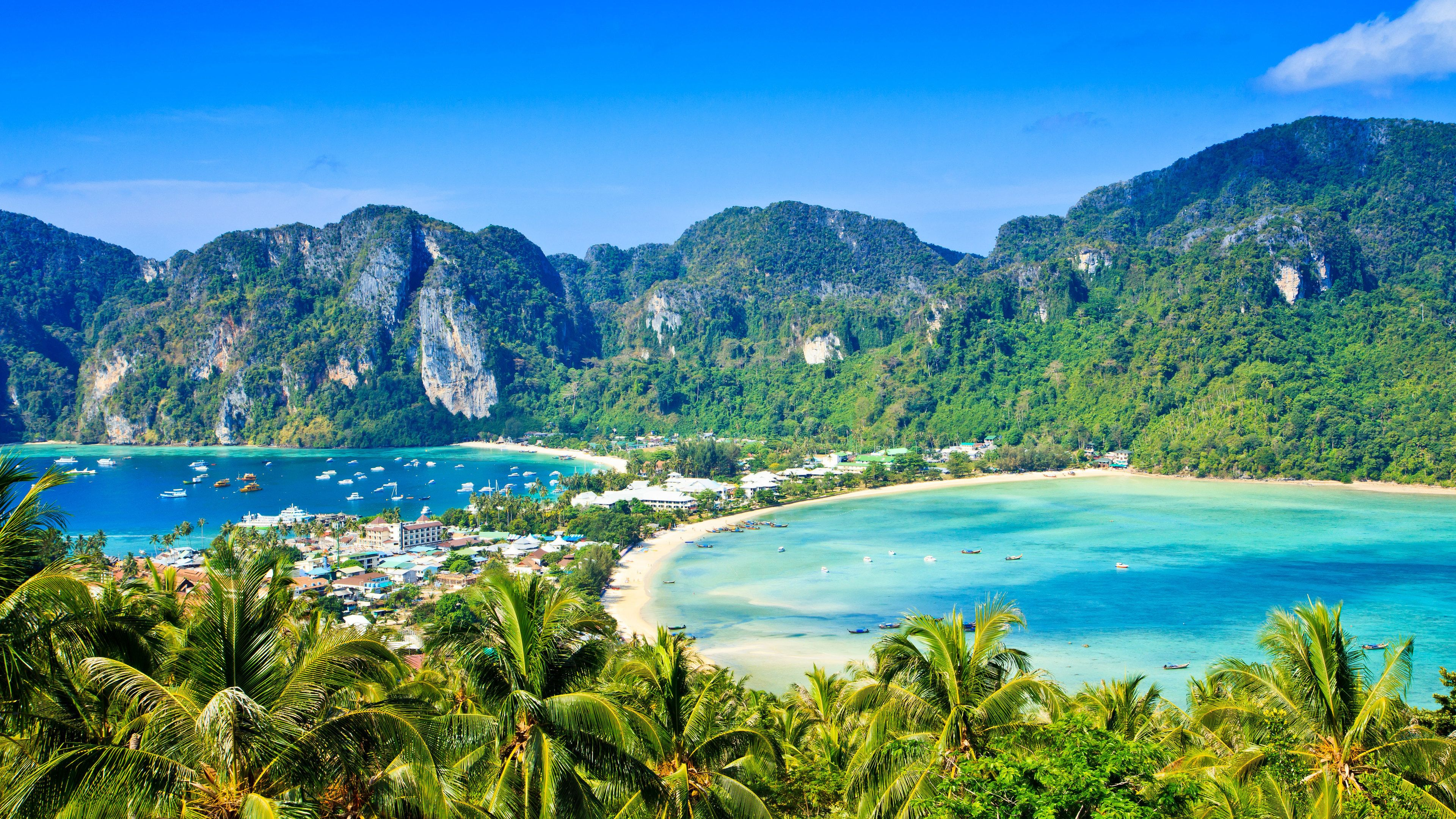 Full-Day Phi Phi Islands Tour by Speedboat