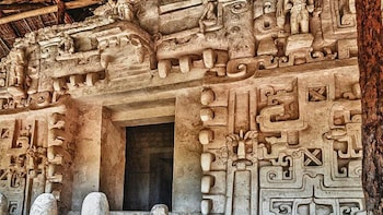 Private Trip: Ek Balam and Chichen Itza with Cenote