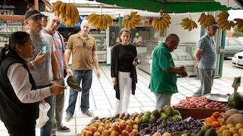 Halbtägige Food-Tour mit Mittagessen und Ceviche-Kochkurs