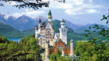 Skip the line Neuschwanstein Castle & Rothenburg day tour
