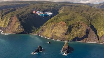Maui to Big Island Volcano & Waterfall Air Tour