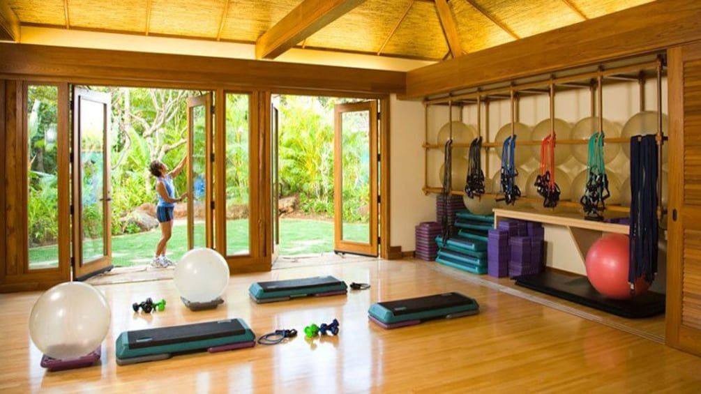 Show item 4 of 7. Gym area in spa in Kauai