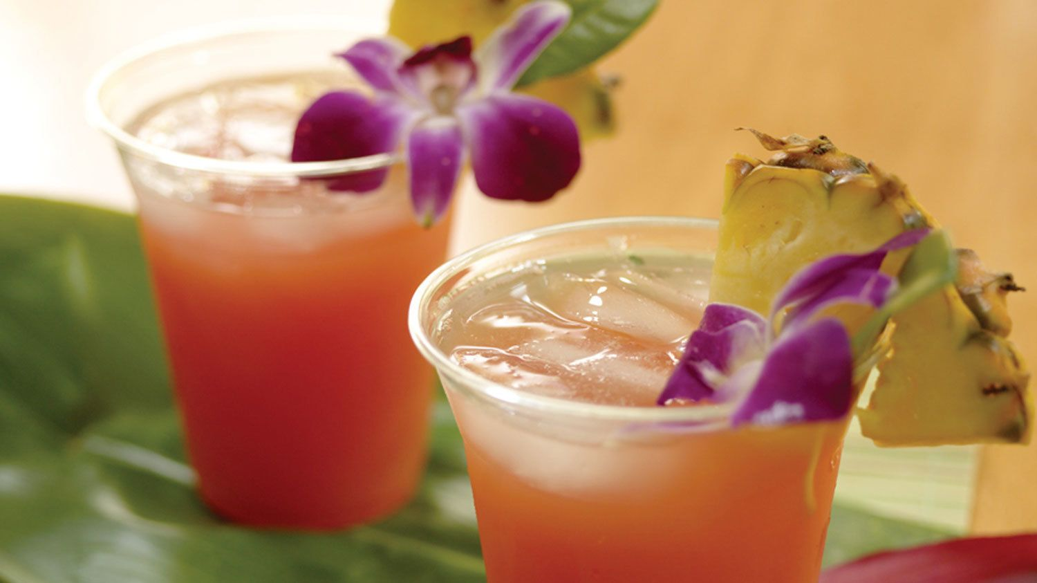 Tropical drinks on the Sunset Dinner Cruise in Maui