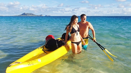 Paddle from shore to shore off Oahu