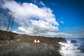 Elite Volcano Hike From Kona or Hilo