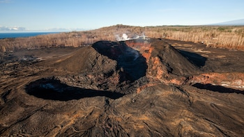 Hawaii Lava & Rainforest Adventure Private Helicopter Tour
