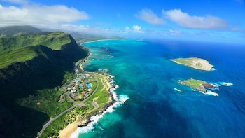 Valleys & Waterfall Doors-Off Private Helicopter on O'ahu