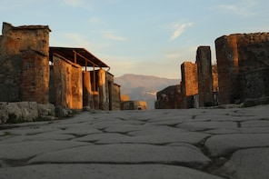 2-Day Pompei and Amalfi Coast Private Tour from Naples