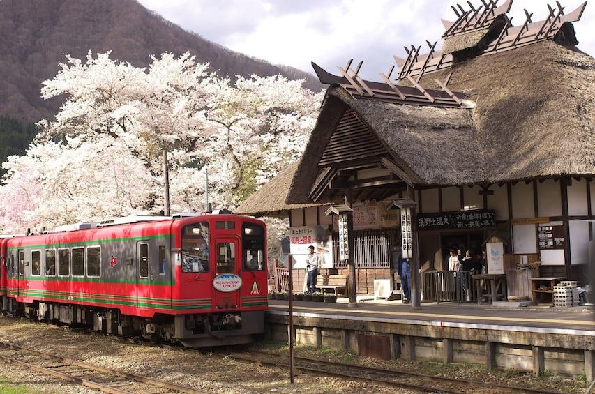 Ouchi-juku trip by Aizu Railway & Retro Bus Saryu