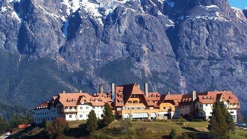 Hotel at the foot of a mountain in San Carlos de Bariloche
