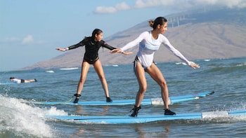 Surf Lesson with Local Surfers