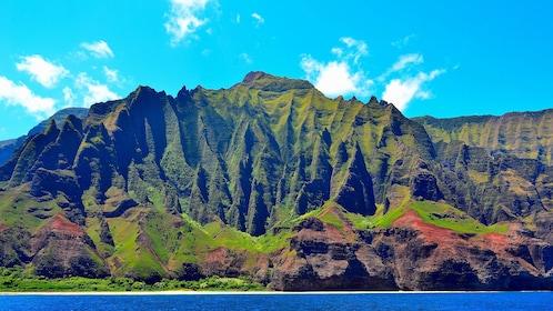 Mountain view of Napali coast in Kauai
