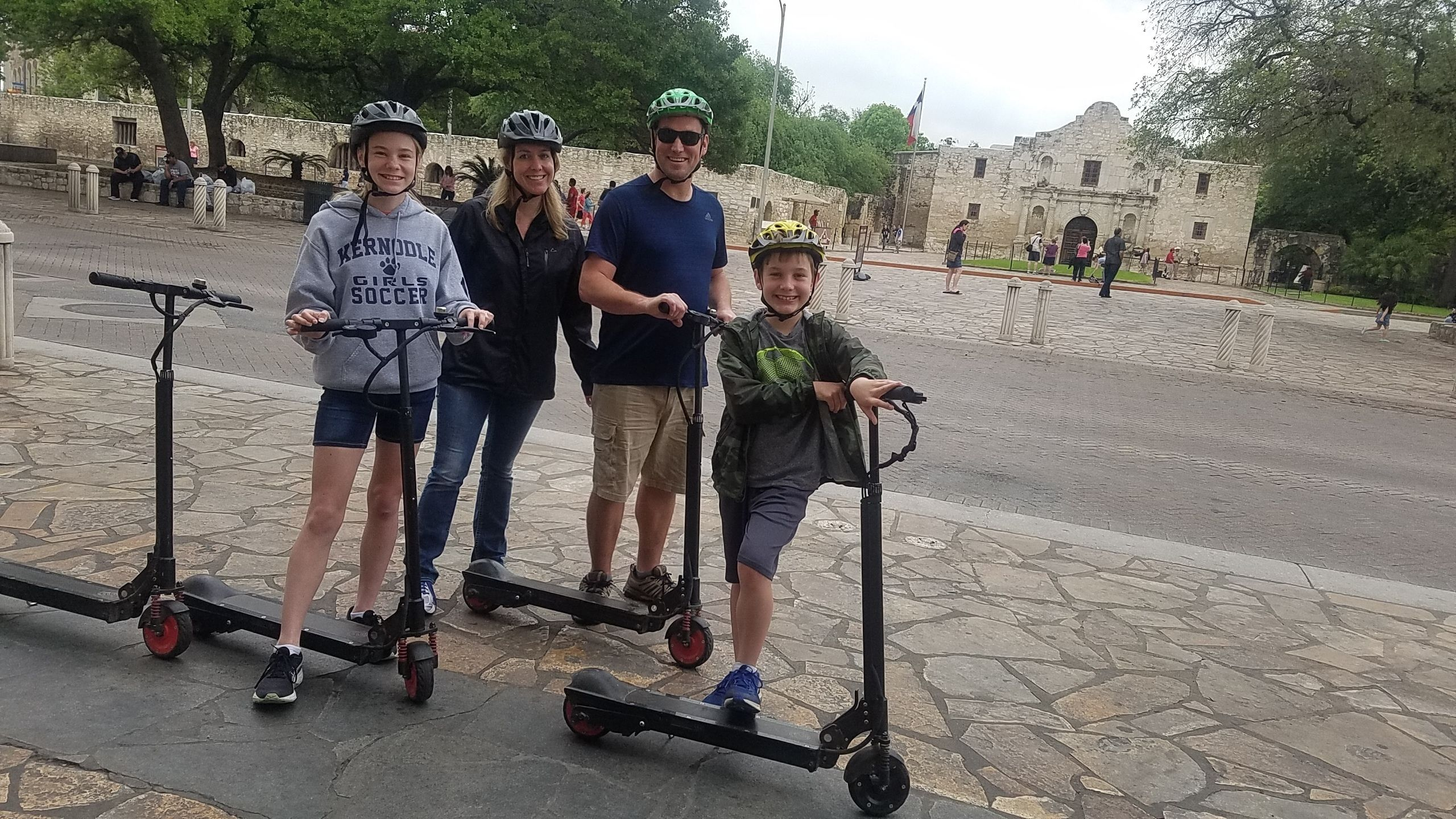 Downtown Electric Scooter Tour to the Alamo, River Walk & Market Square