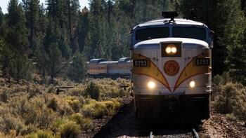 Grand Canyon & Grand Canyon Railway Tour