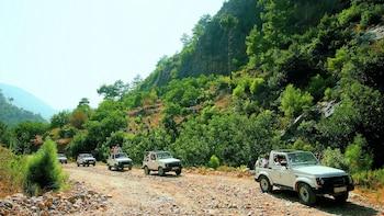 Taurus Mountains & Manavgat Waterfall Jeep Safari with Lunch