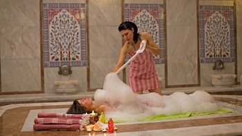 Turkish Bath with Peeling, Foam & Oil Massage