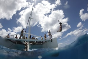 Waikoloa Catamaran Snorkeling & Sailing