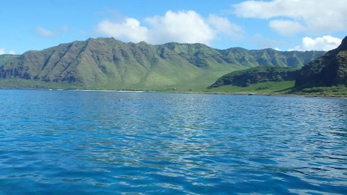 Mountain view from cruise in Oahu