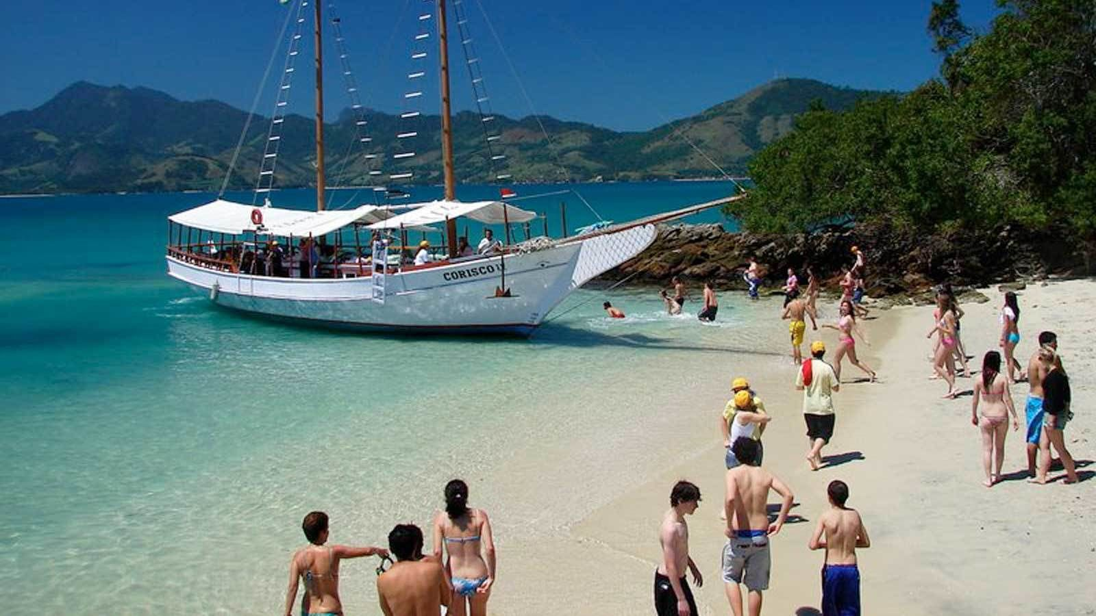 Full-Day Angra dos Reis with Boat Tour