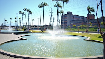 Admission to Madureira Park