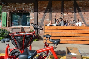 Small-Group Private Cycling 'Prost' Tour in Leavenworth