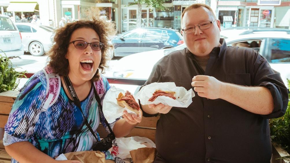 Apri foto 1 di 5. Two people enjoying Jewish food