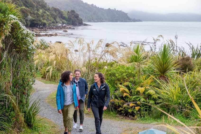 Stewart Island Village & Bays Tours