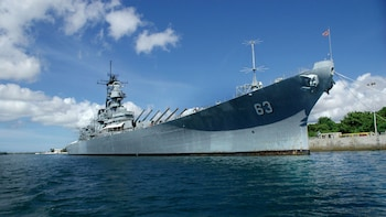 Call to Duty Pearl Harbor Memorials Tour Luxury Small-Group