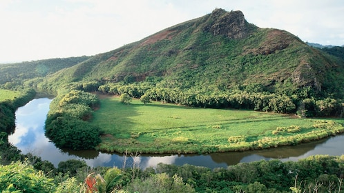 river twisting through jungles of Kauai