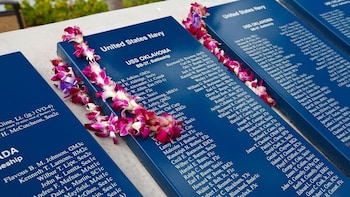 Pearl Harbor Heroes Tour with Arizona Memorial, Bowfin & Mighty Mo