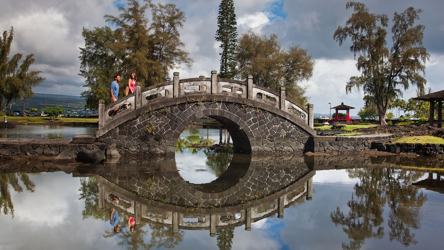 Bridge at Liliuokalani Park and Gardens in Oahu