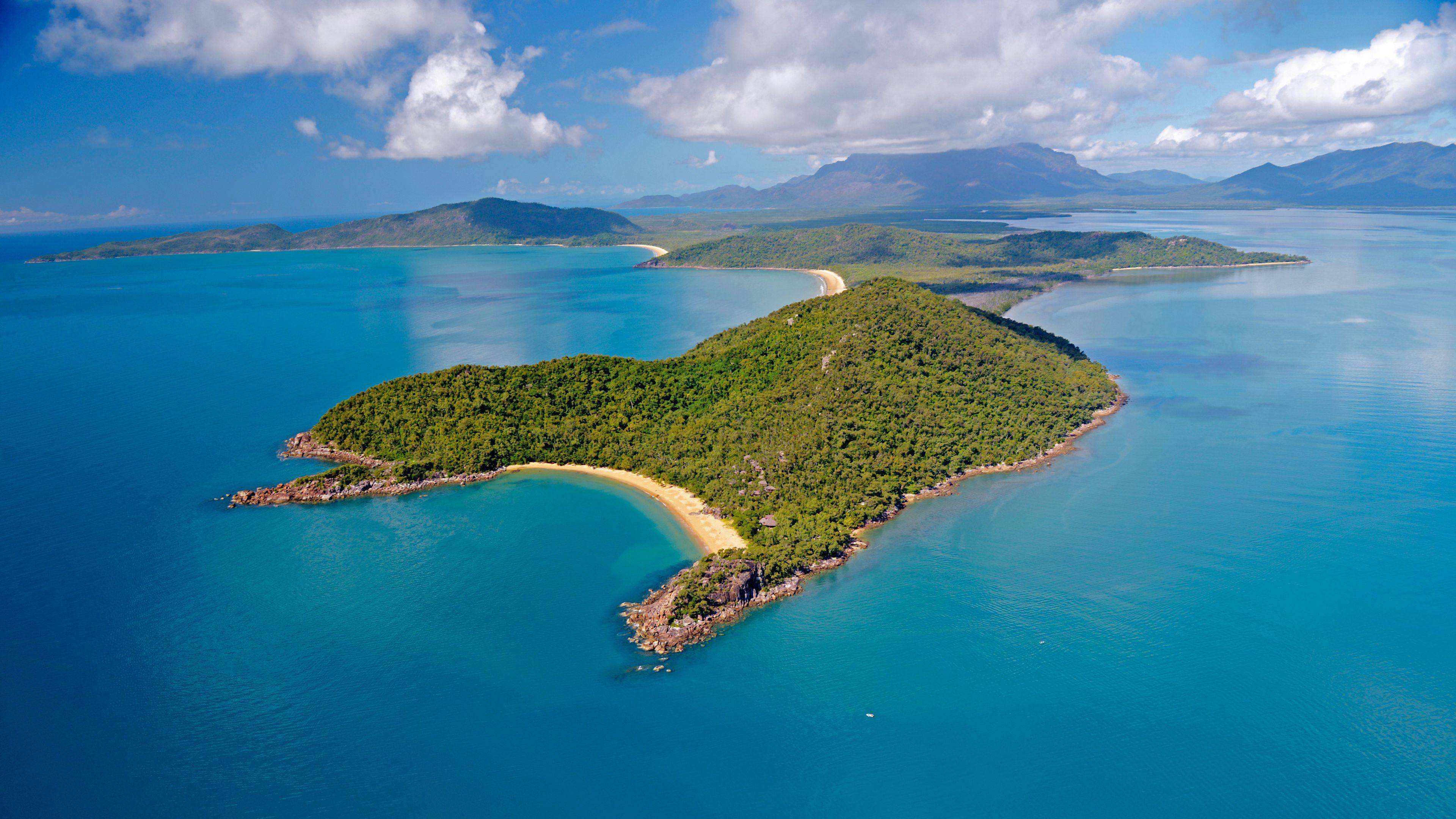 30-Minute Magnetic Island Scenic Flight