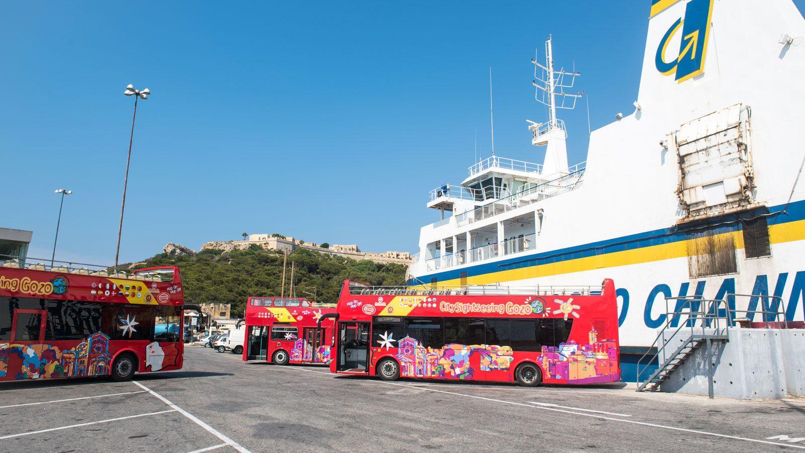 Rantaretki: hop-on hop-off -bussikiertoajelu Gozon saarella