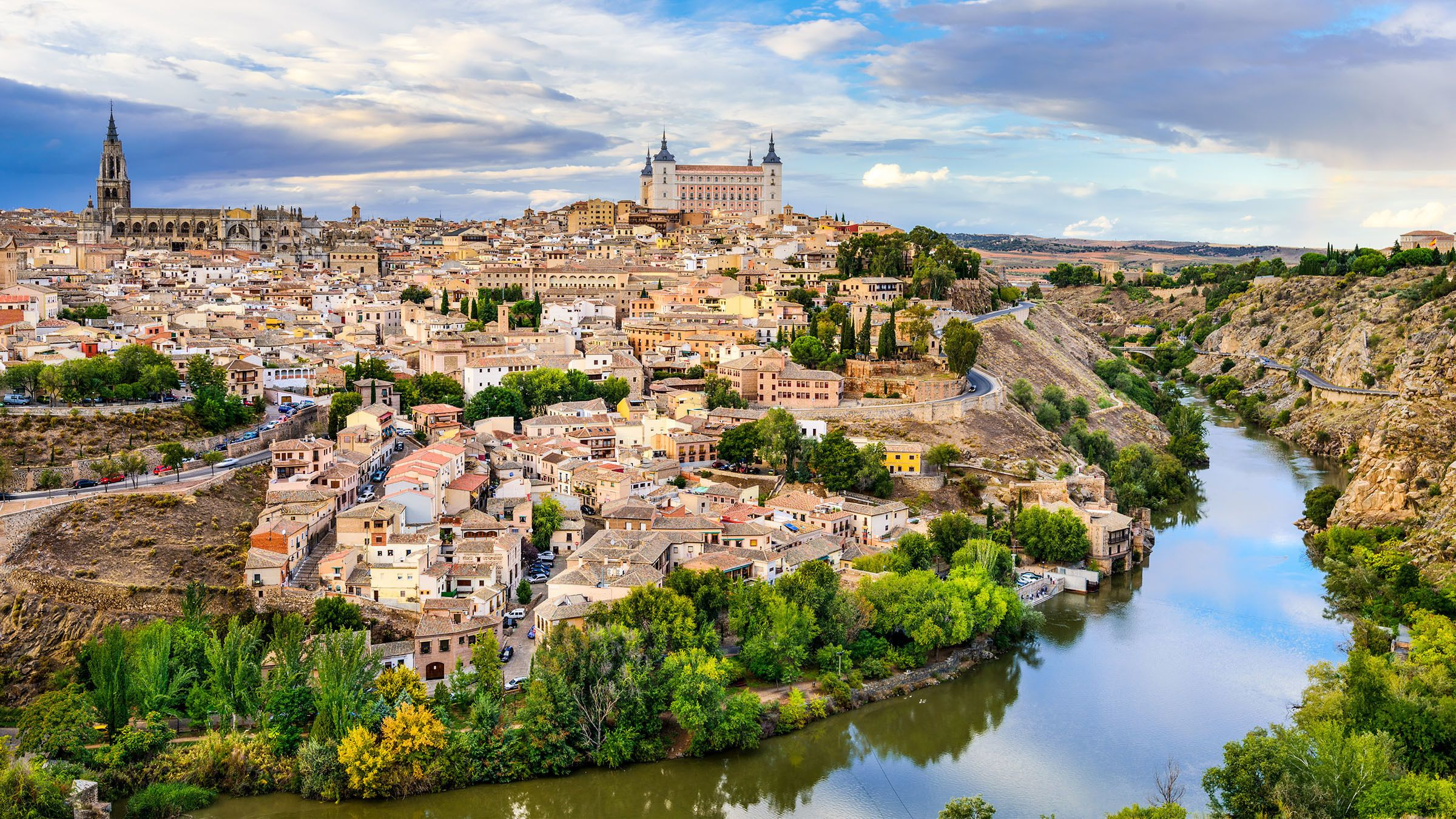 Day Tour of Toledo & Segovia with Alcazar Entrance