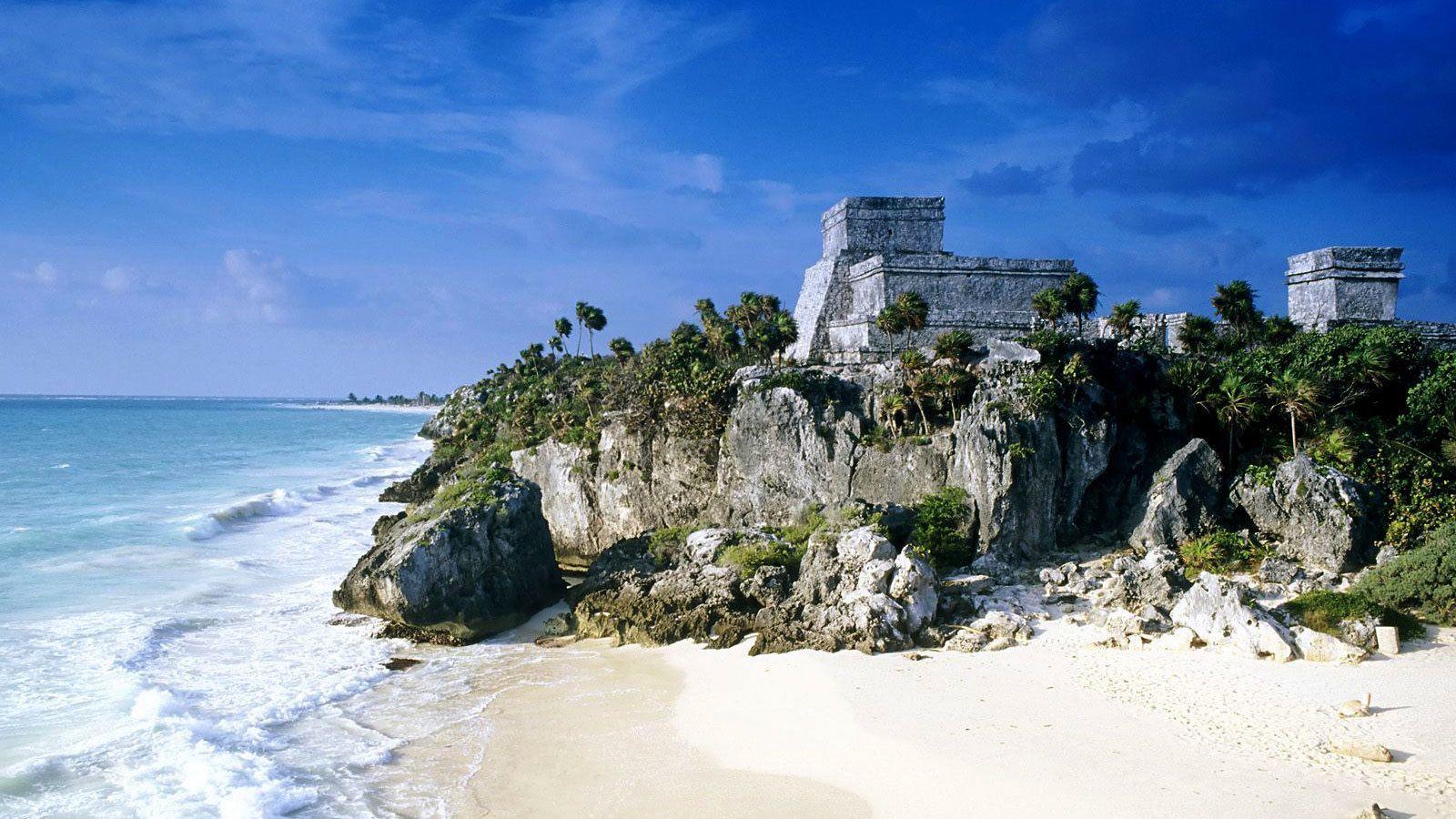 Ruins on the coast of Tulum, Mexico