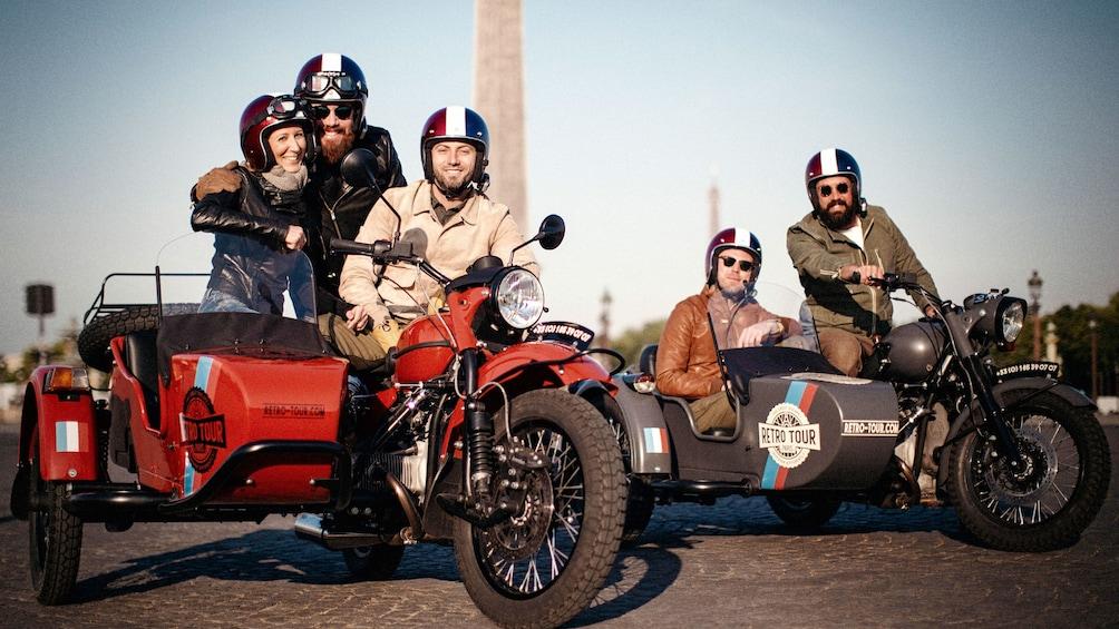 Åpne bilde 1 av 5. Tour group on motorcycles with sidecars in Paris