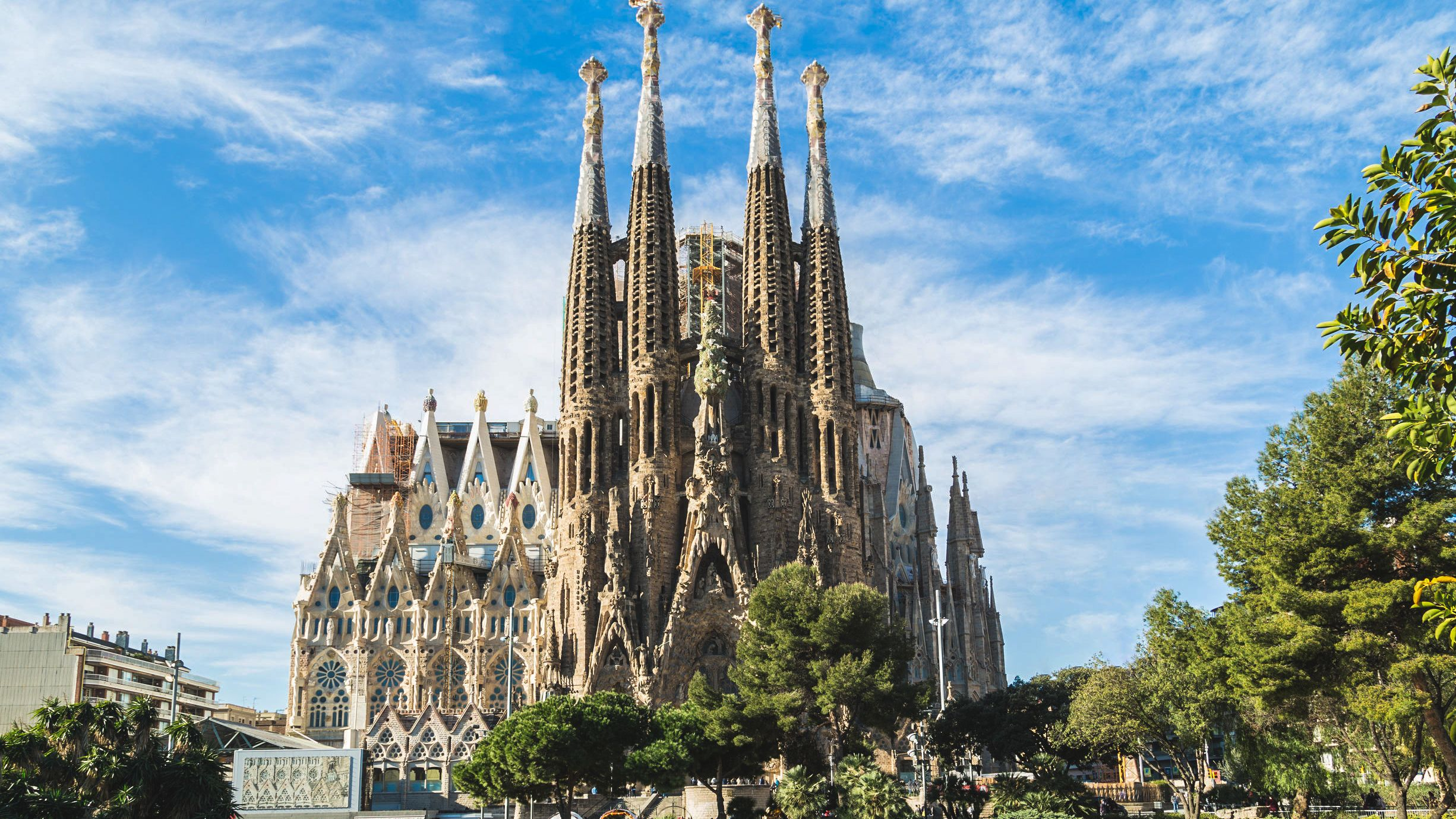 Sagrada Família Fast-Track Tickets and Guided Tour
