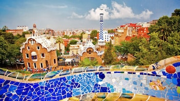 Fast Track Access to Park Güell and Guided Tour